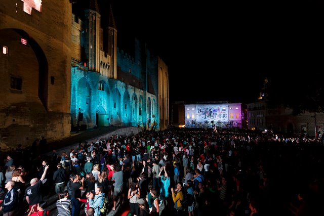"""""""Place Public,"""" a show created by the collective Komplexkarpharnaum, questioned the legacy of the founder of the Avignon Festival"""