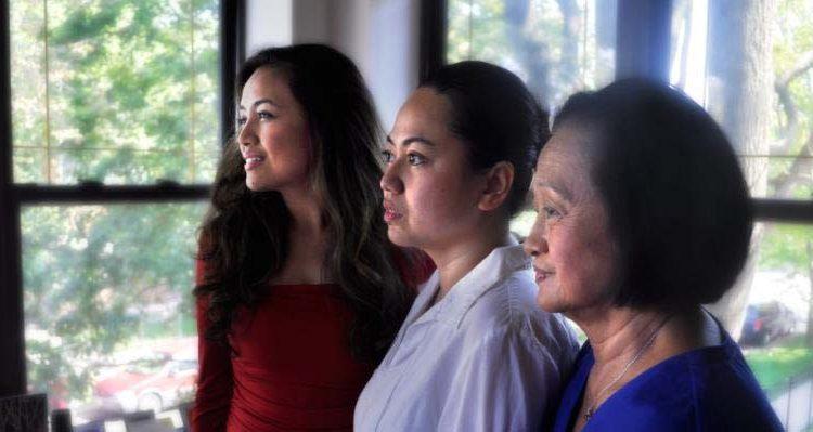 "Chicago actors Jovie Calma, Jo Nepomuceno and Evelyn Masbaum in ""Three Marias"""